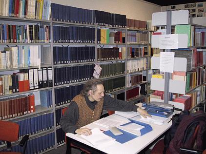 Bildausschnitt der Fachbibliothek des IPdS